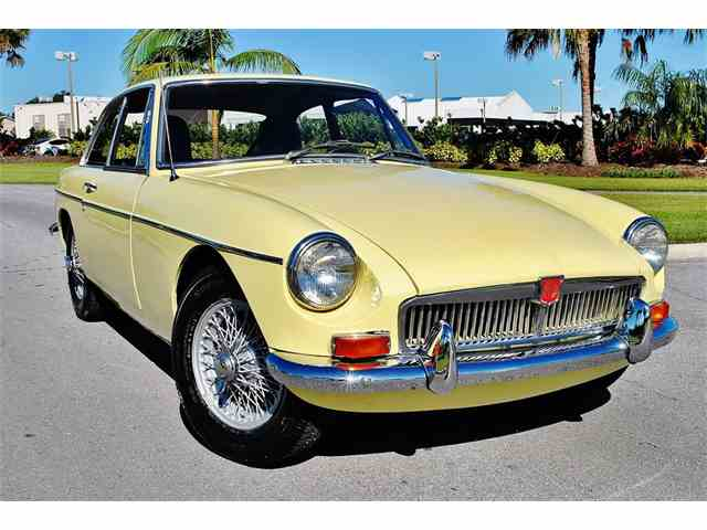 Picture of '69 MGB GT - MWKE