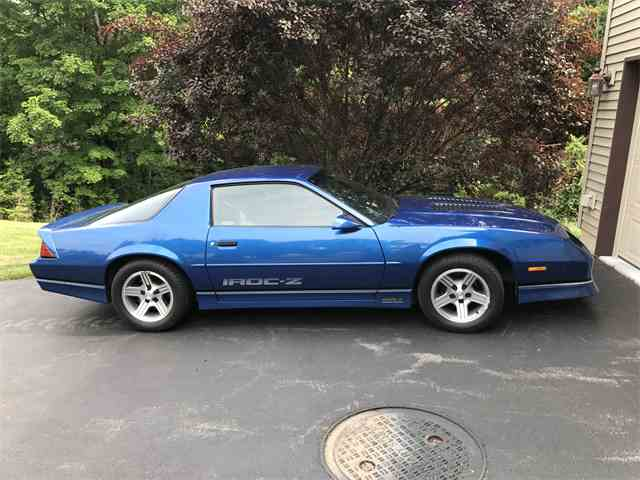 Picture of '89 Camaro IROC-Z - MWQQ