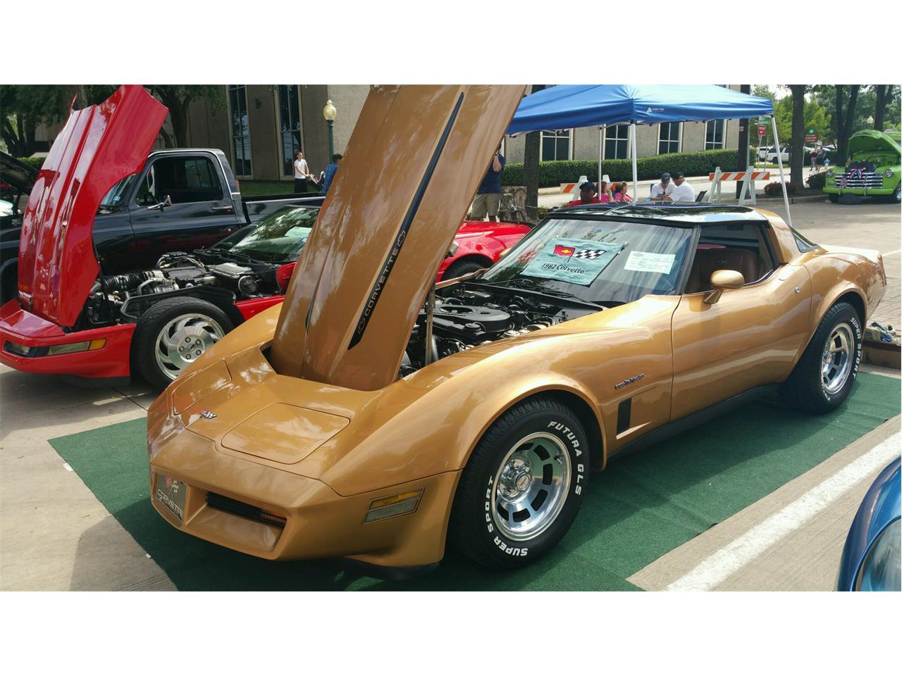 Large Picture of '82 Corvette - MX4E