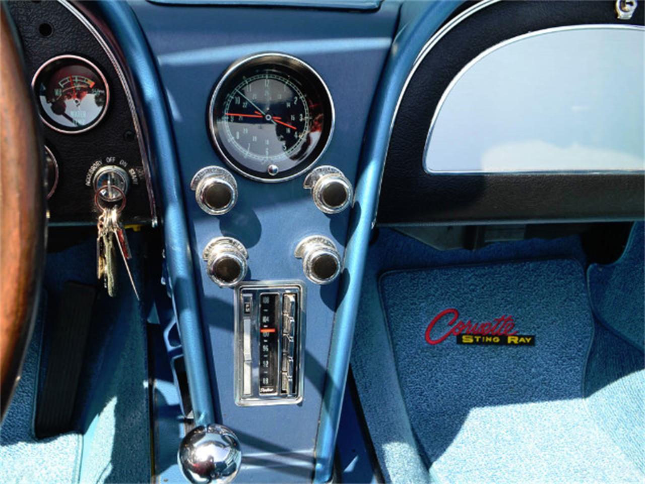 Large Picture of Classic '67 Chevrolet Corvette - MQNE
