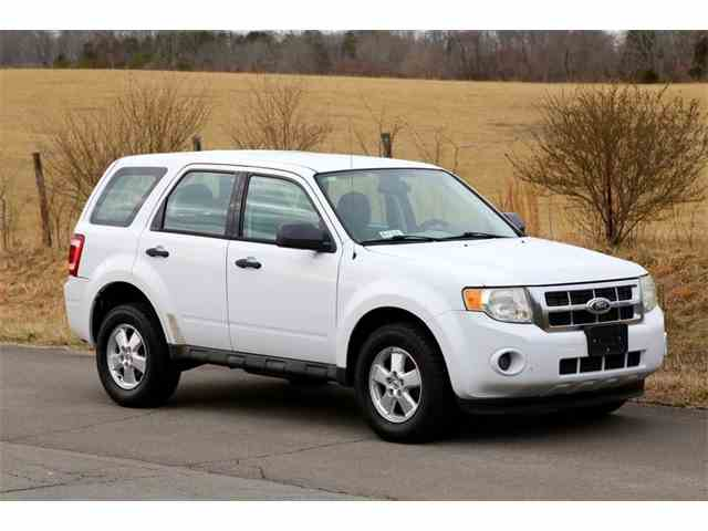 Picture of '10 Ford Escape located in Lenoir City Tennessee Offered by  - MYZ9