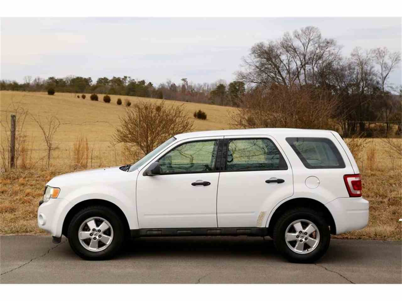 Large Picture of 2010 Escape located in Lenoir City Tennessee - MYZ9