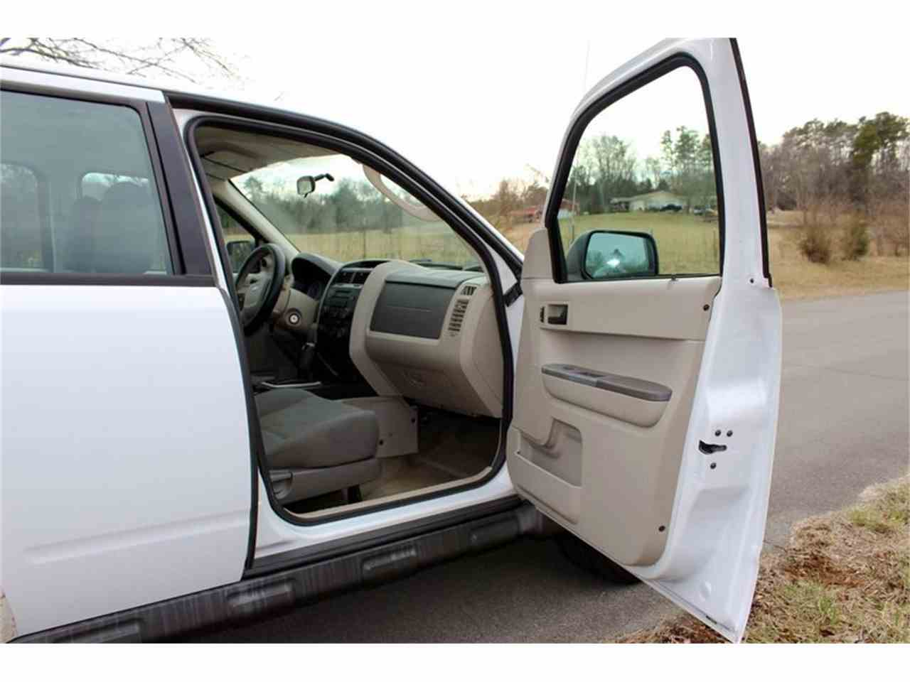 Large Picture of 2010 Ford Escape - $3,950.00 Offered by Smoky Mountain Traders - MYZ9