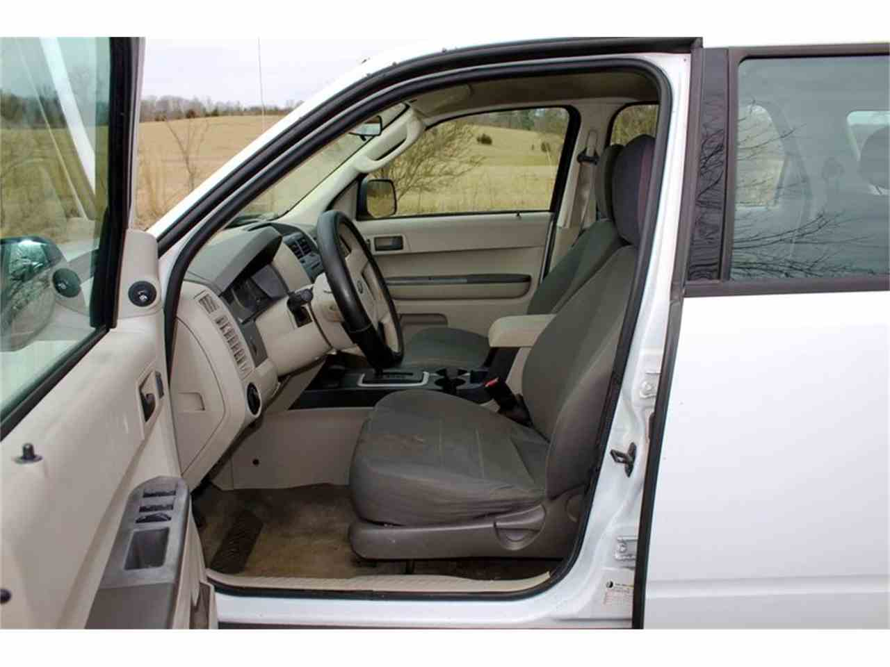 Large Picture of '10 Ford Escape Offered by Smoky Mountain Traders - MYZ9