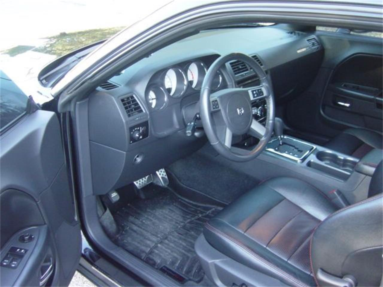 Large Picture of 2009 Dodge Challenger R/T located in Hendersonville Tennessee - $24,900.00 - MZ23
