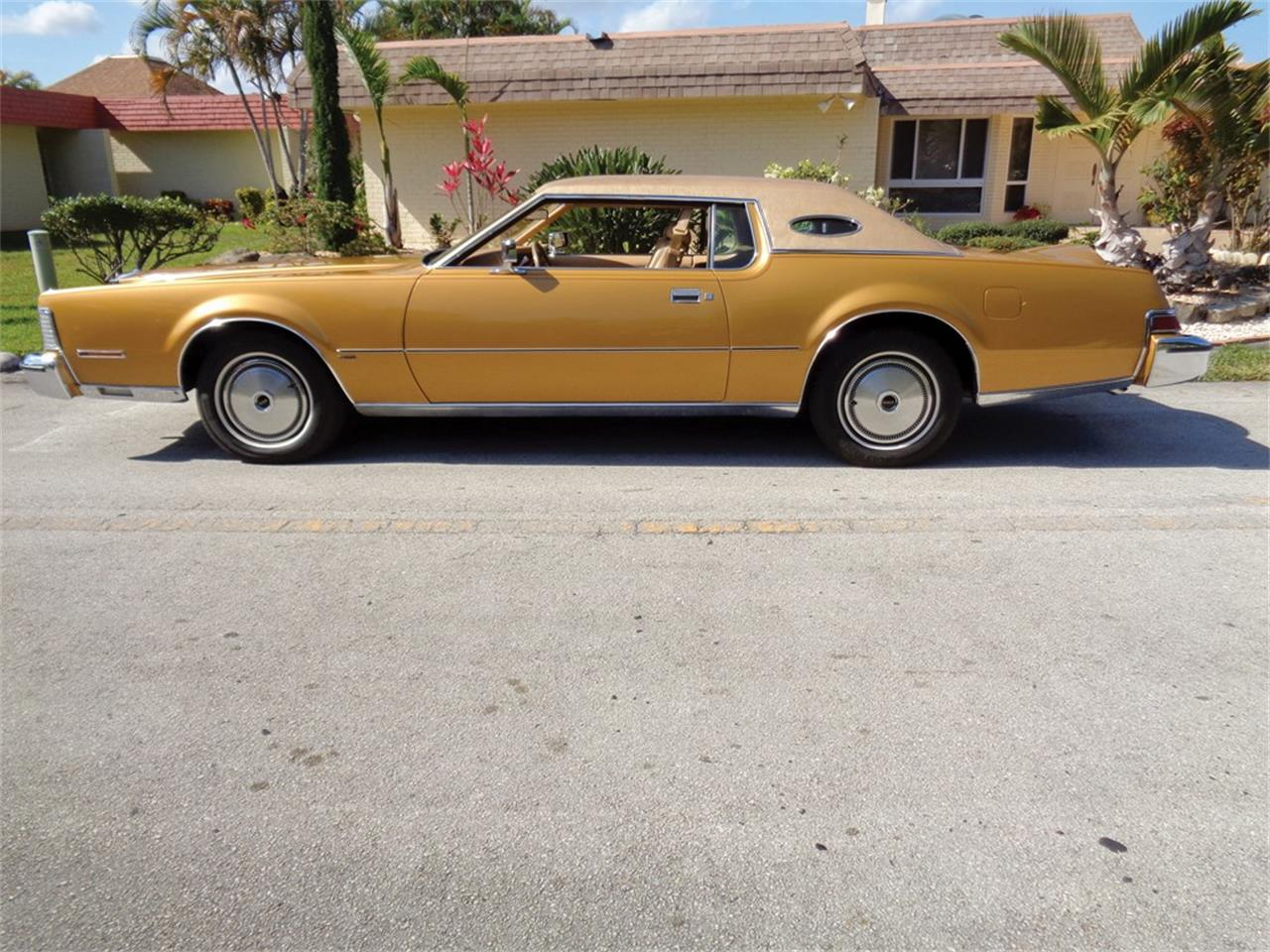 Large Picture of '74 Continental Mark IV 'Gold Luxury Group' - MXRR