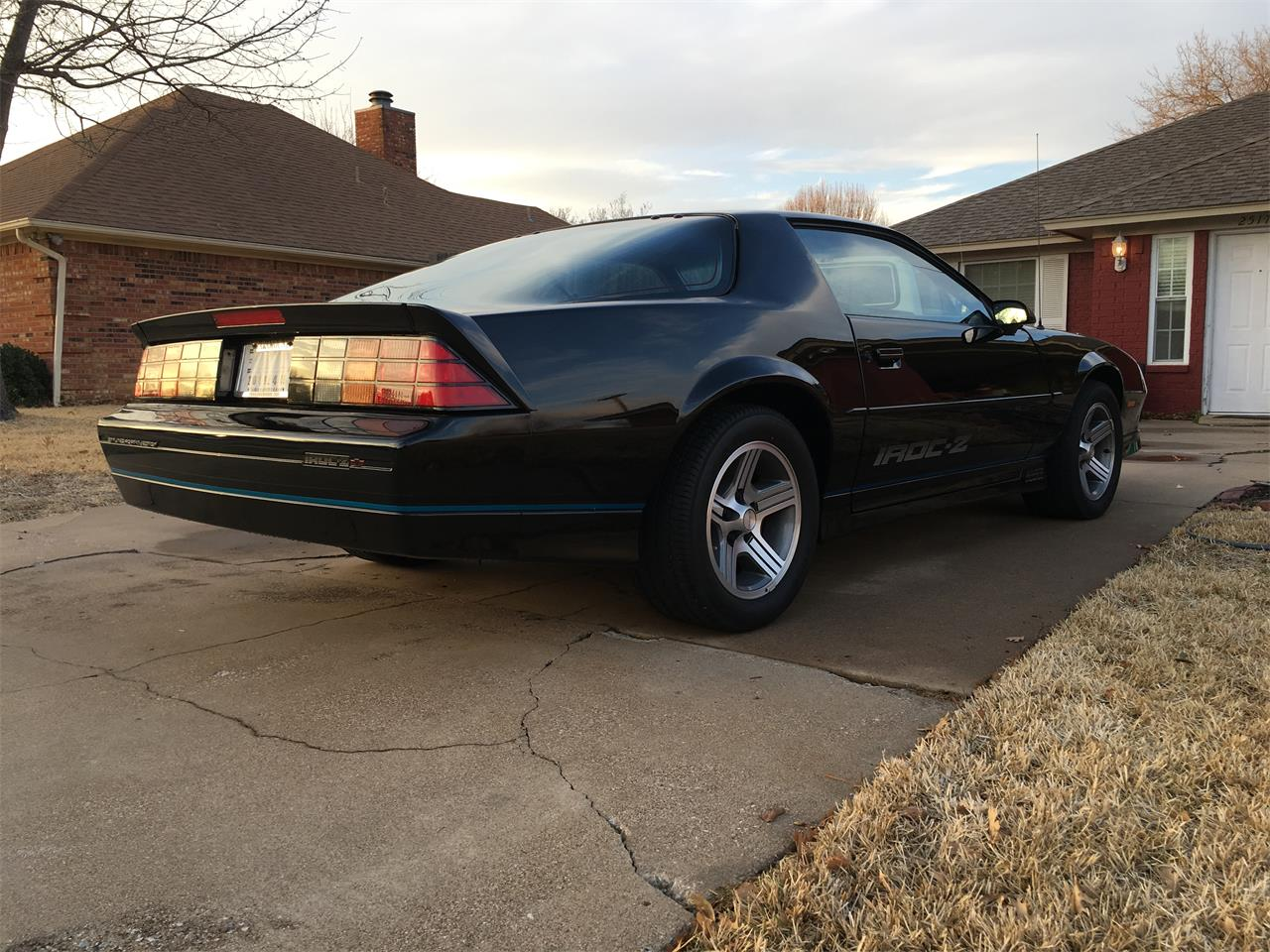 Large Picture of '89 Camaro IROC Z28 located in Bedford Texas - $25,000.00 - MZ5V