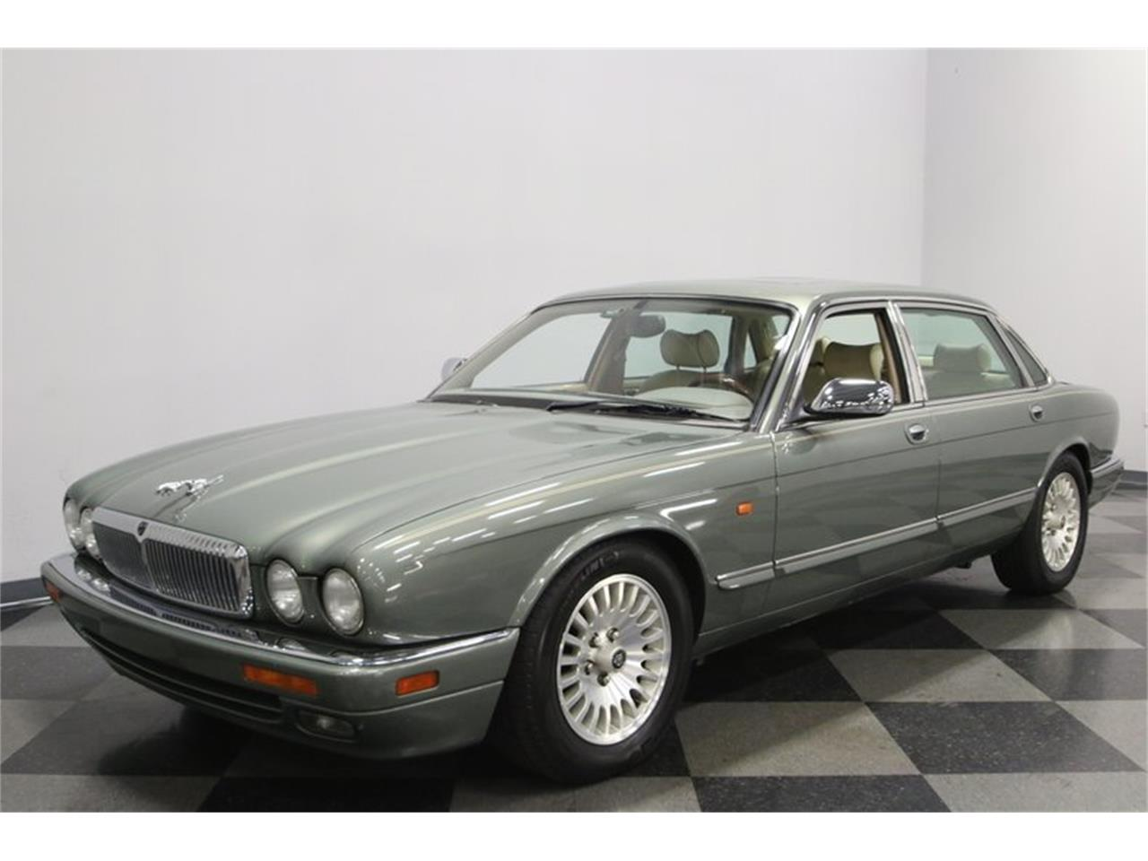 Large Picture of 1996 Jaguar XJ - $13,995.00 Offered by Streetside Classics - Nashville - MZ6E