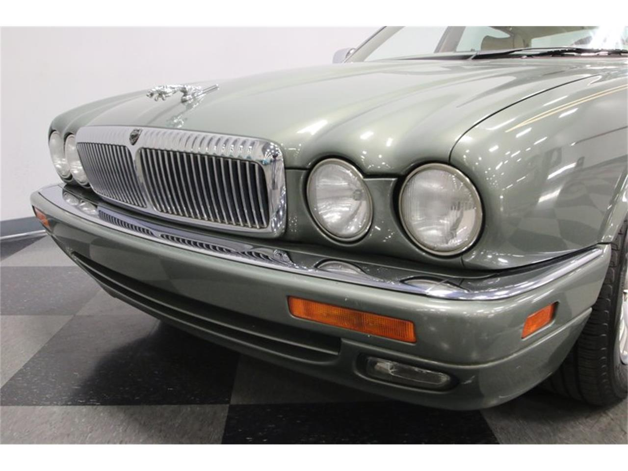 Large Picture of 1996 XJ - MZ6E