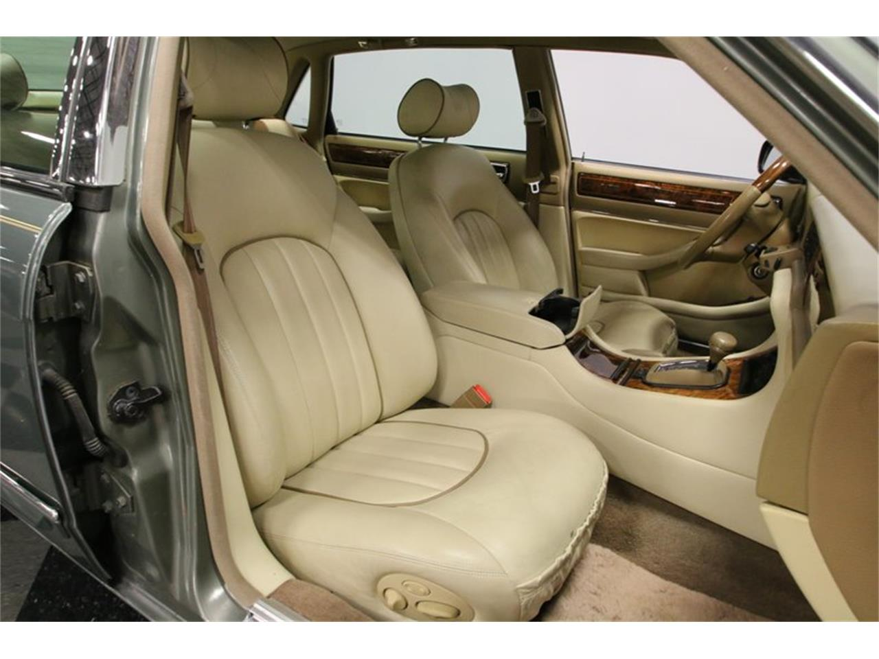 Large Picture of '96 Jaguar XJ Offered by Streetside Classics - Nashville - MZ6E