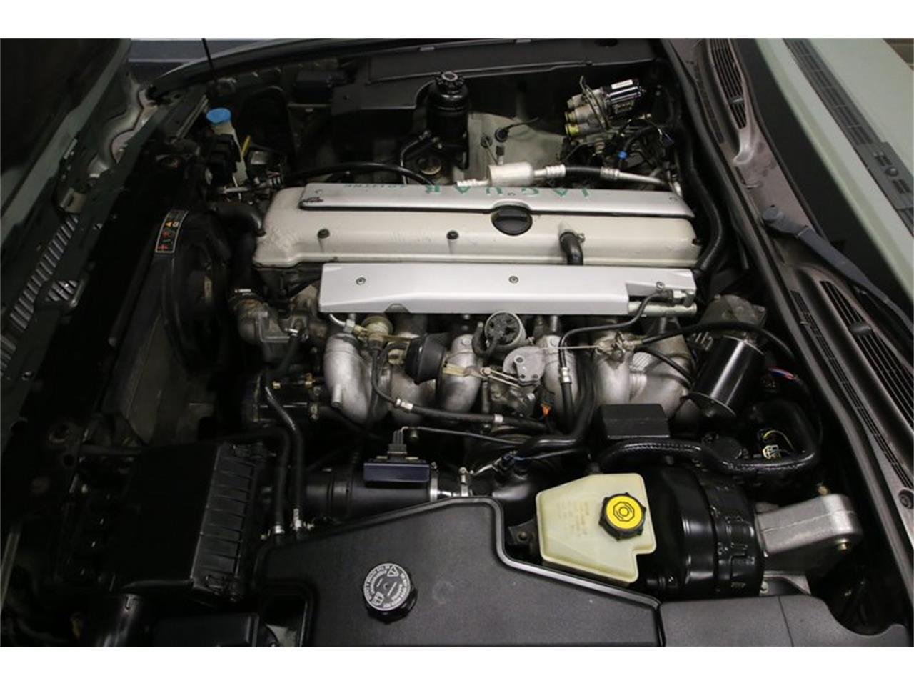 Large Picture of 1996 XJ Offered by Streetside Classics - Nashville - MZ6E