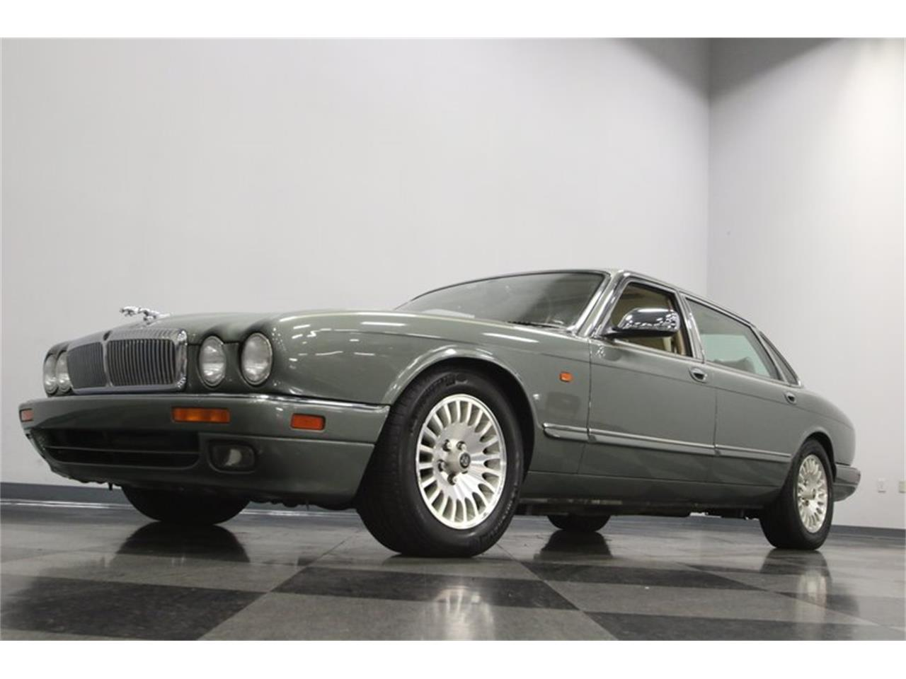 Large Picture of '96 Jaguar XJ - $13,995.00 Offered by Streetside Classics - Nashville - MZ6E