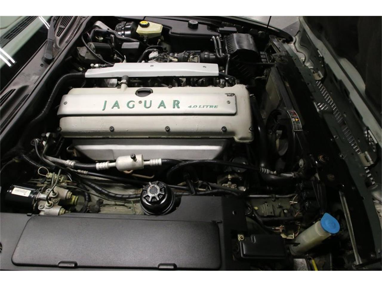 Large Picture of '96 Jaguar XJ located in Lavergne Tennessee - $13,995.00 - MZ6E