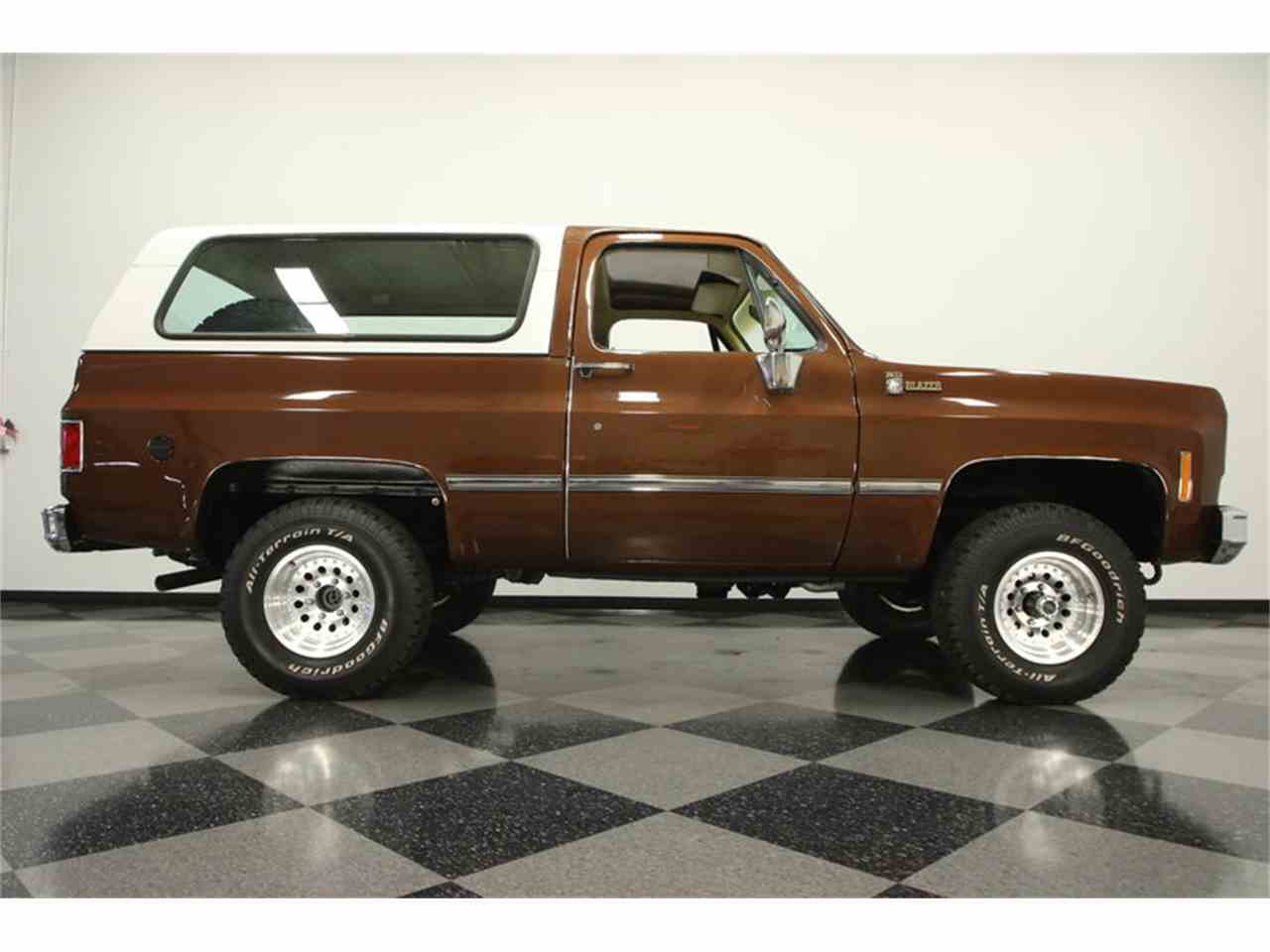 Large Picture of '77 Chevrolet Blazer located in Florida Offered by Streetside Classics - Tampa - MZ6X
