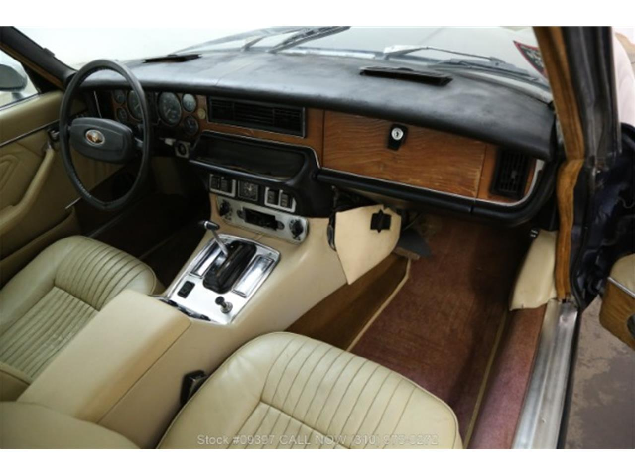 Large Picture of '75 Jaguar XJ6 located in Beverly Hills California - MZ7R