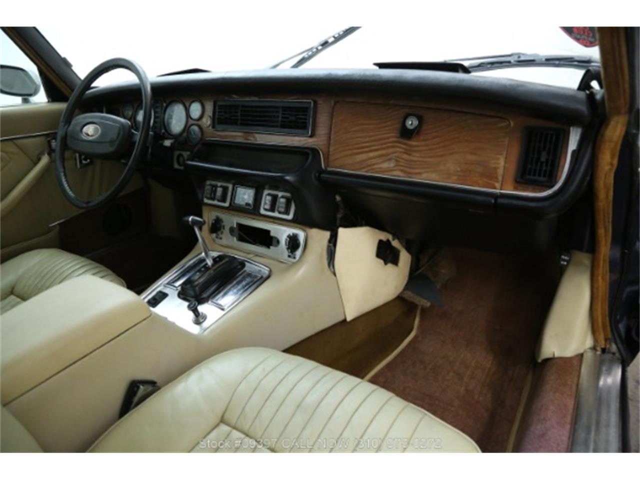 Large Picture of '75 Jaguar XJ6 Offered by Beverly Hills Car Club - MZ7R