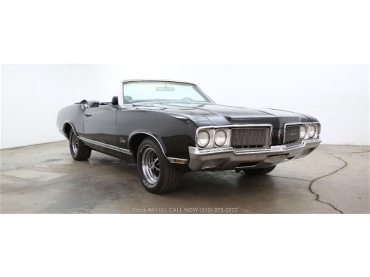 Large Picture of Classic 1970 Oldsmobile Cutlass located in Beverly Hills California Offered by Beverly Hills Car Club - MZ8B