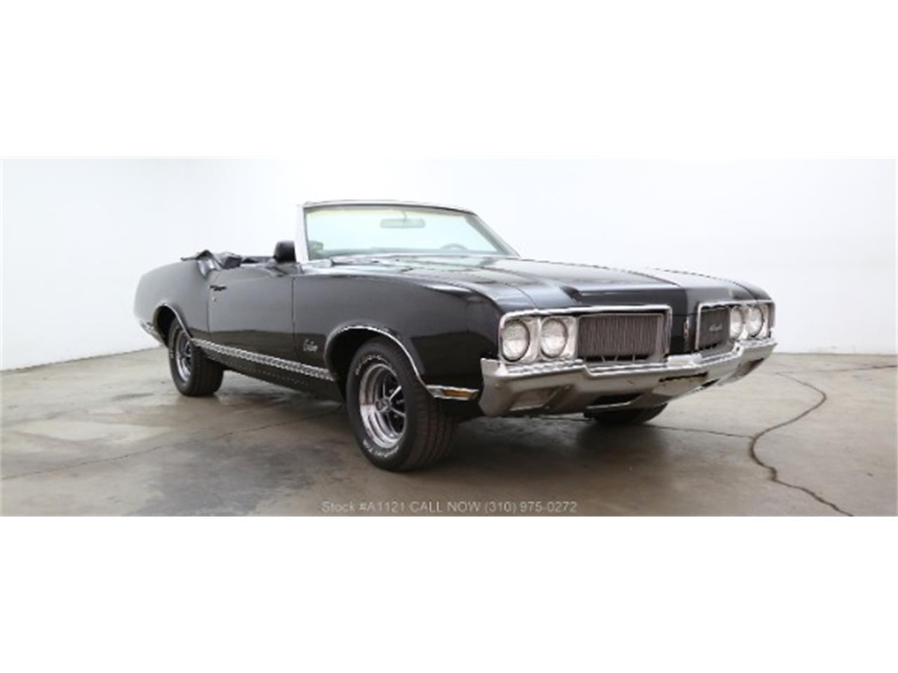 Large Picture of '70 Oldsmobile Cutlass located in California - $21,500.00 Offered by Beverly Hills Car Club - MZ8B