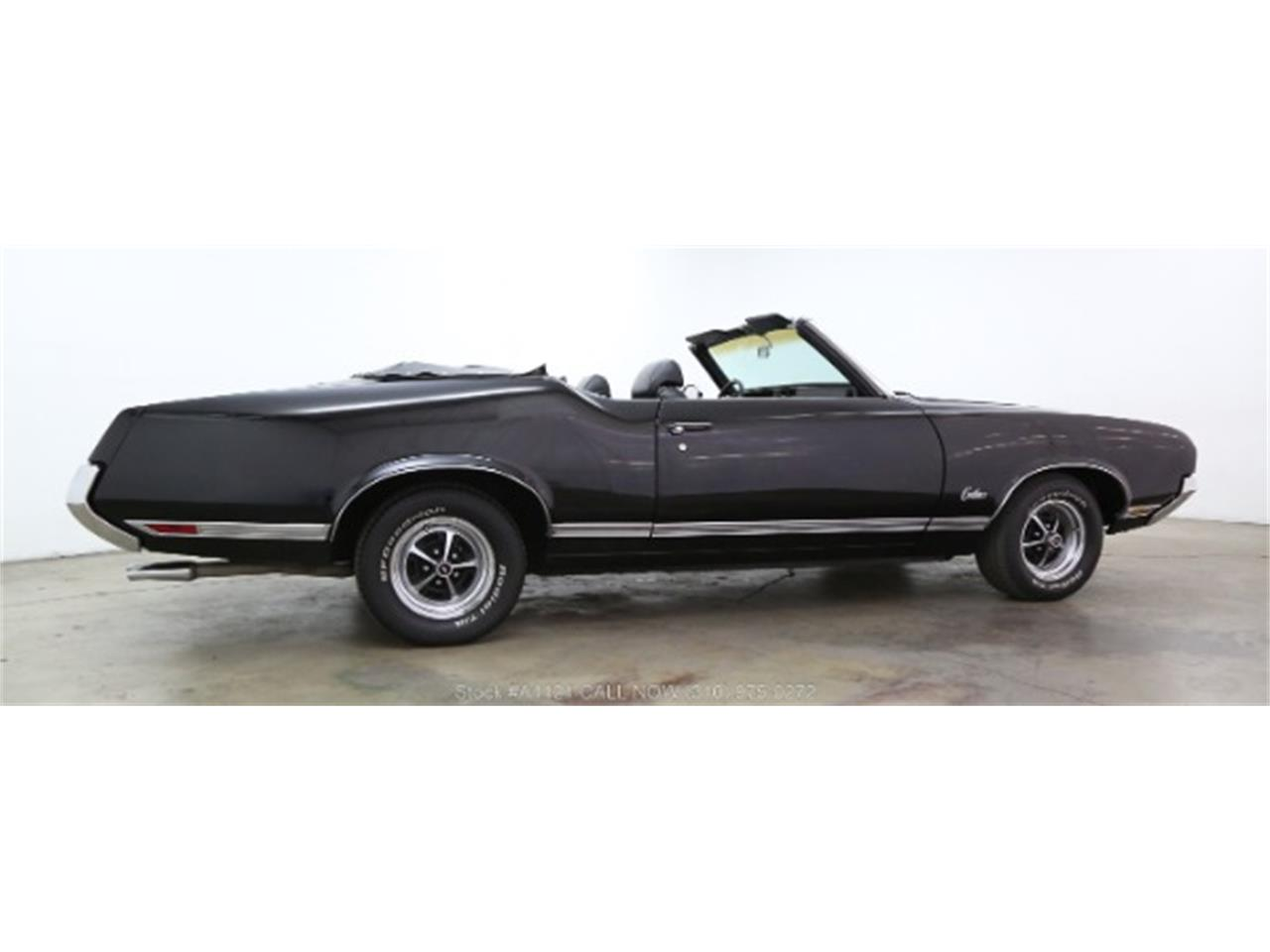 Large Picture of Classic '70 Cutlass located in Beverly Hills California - $21,500.00 Offered by Beverly Hills Car Club - MZ8B