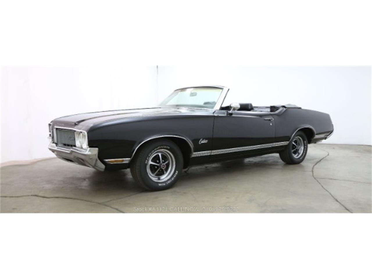 Large Picture of '70 Cutlass located in Beverly Hills California - $21,500.00 Offered by Beverly Hills Car Club - MZ8B