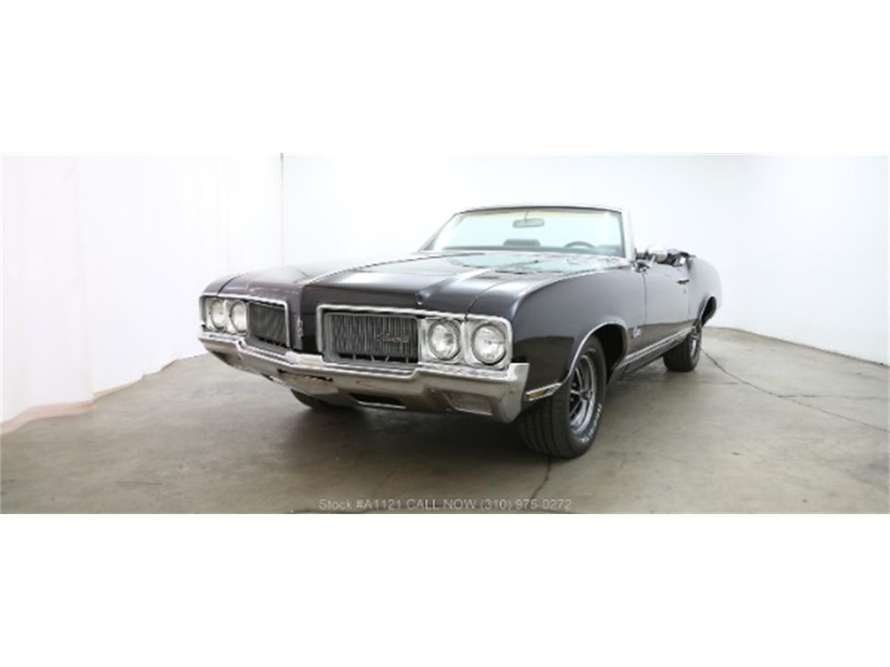 Large Picture of Classic '70 Oldsmobile Cutlass located in Beverly Hills California - $21,500.00 - MZ8B