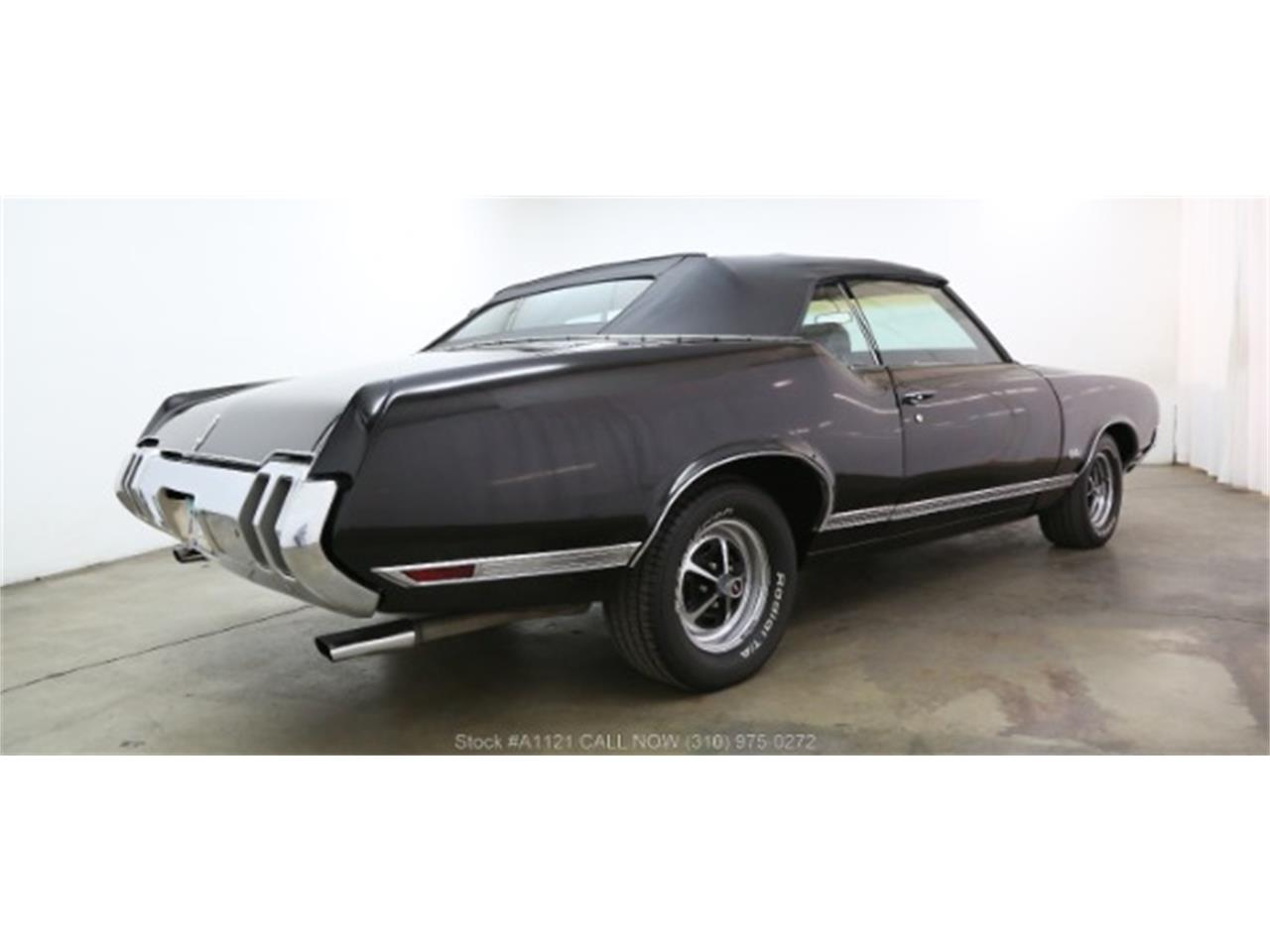 Large Picture of '70 Cutlass located in Beverly Hills California Offered by Beverly Hills Car Club - MZ8B