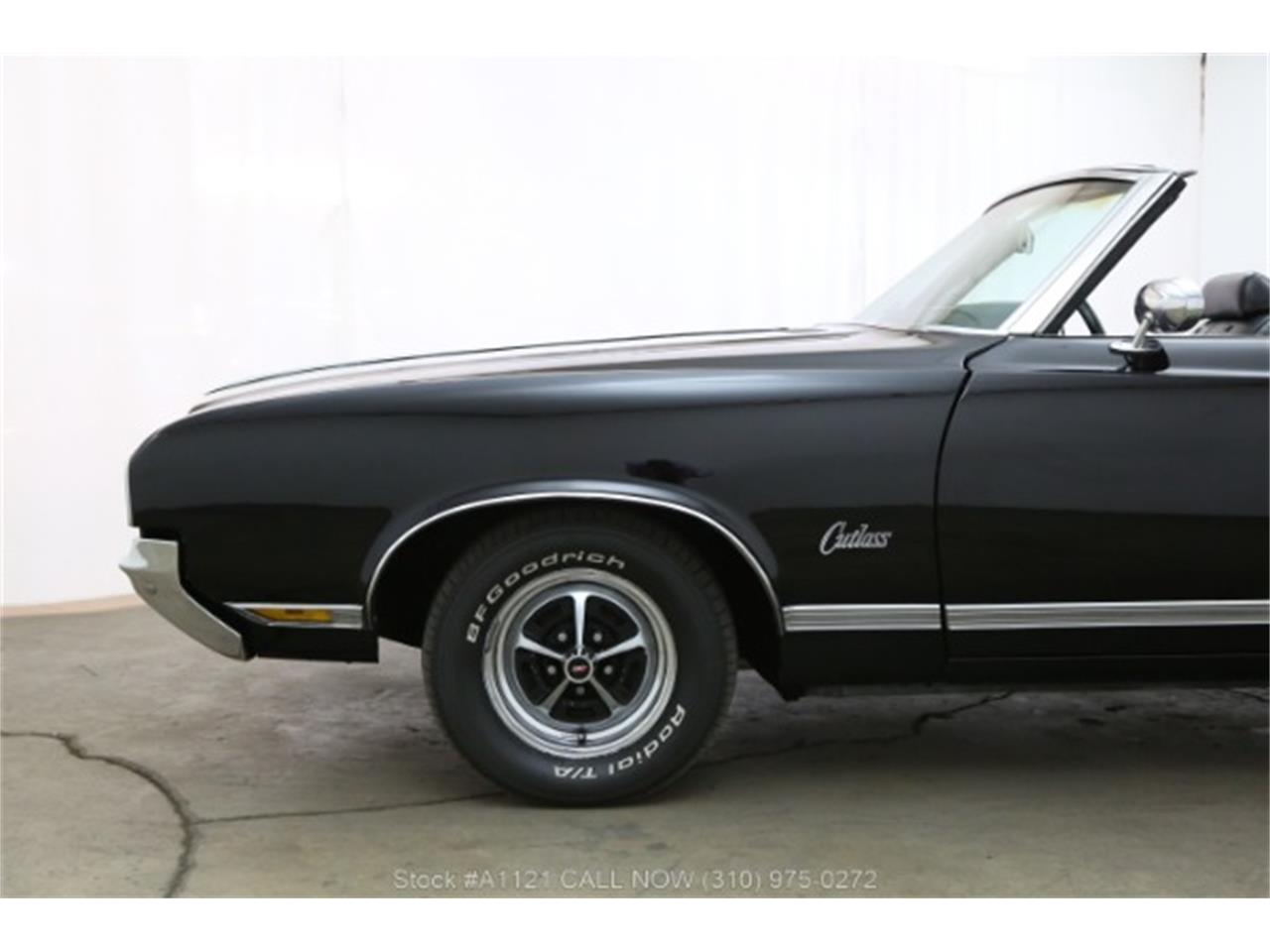Large Picture of Classic 1970 Cutlass located in California - $21,500.00 Offered by Beverly Hills Car Club - MZ8B