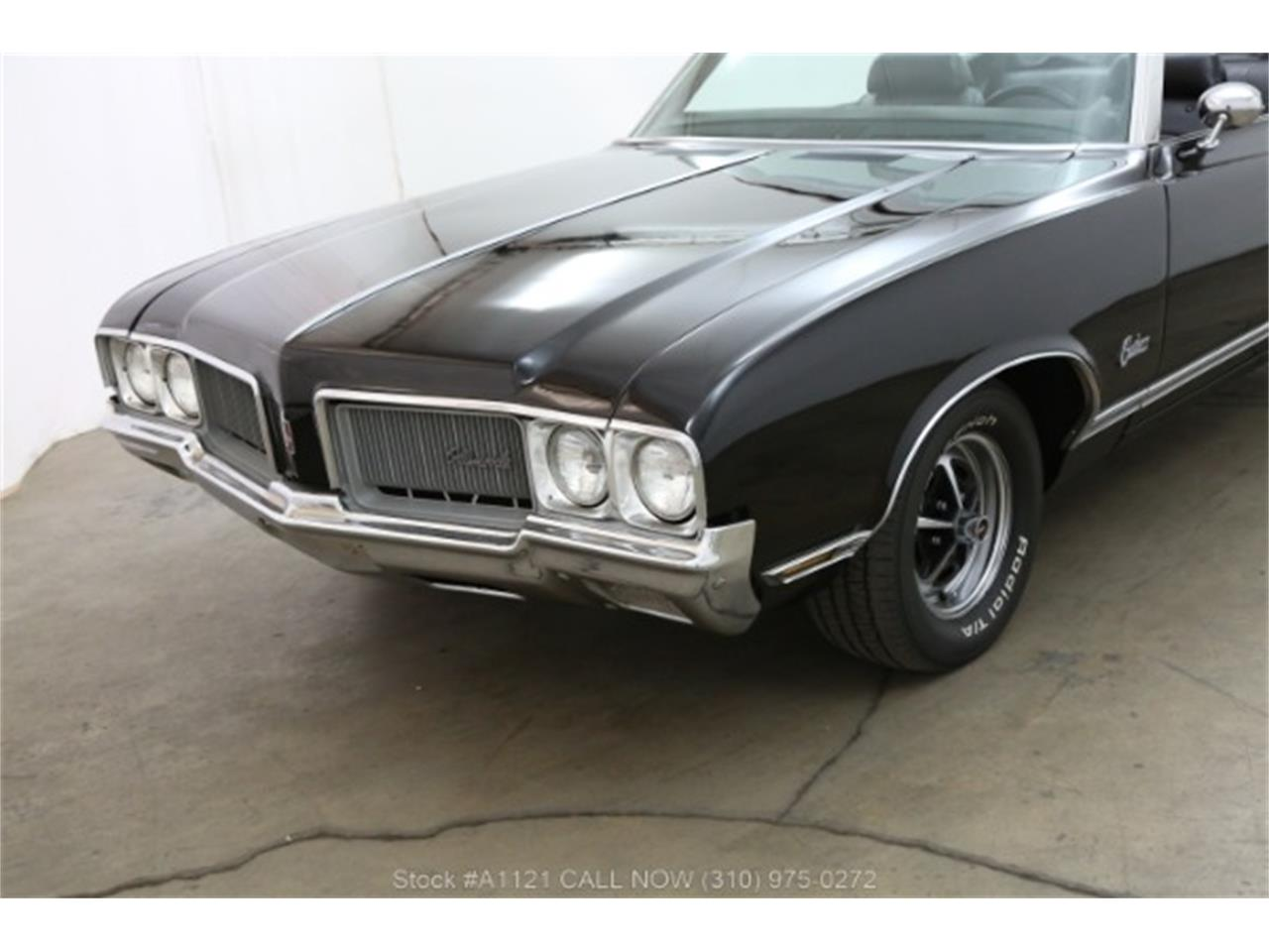 Large Picture of '70 Oldsmobile Cutlass - MZ8B
