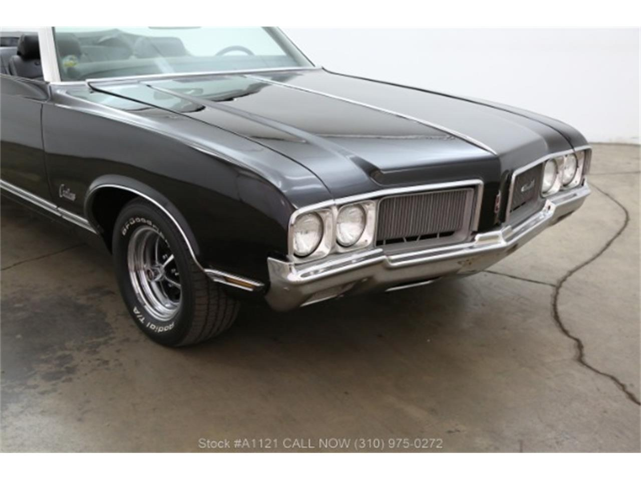 Large Picture of '70 Oldsmobile Cutlass located in California Offered by Beverly Hills Car Club - MZ8B
