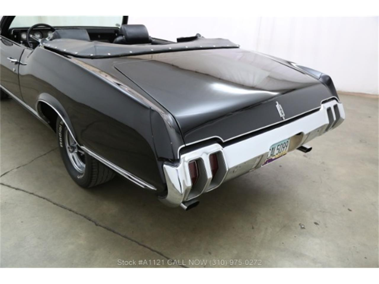 Large Picture of Classic 1970 Cutlass Offered by Beverly Hills Car Club - MZ8B