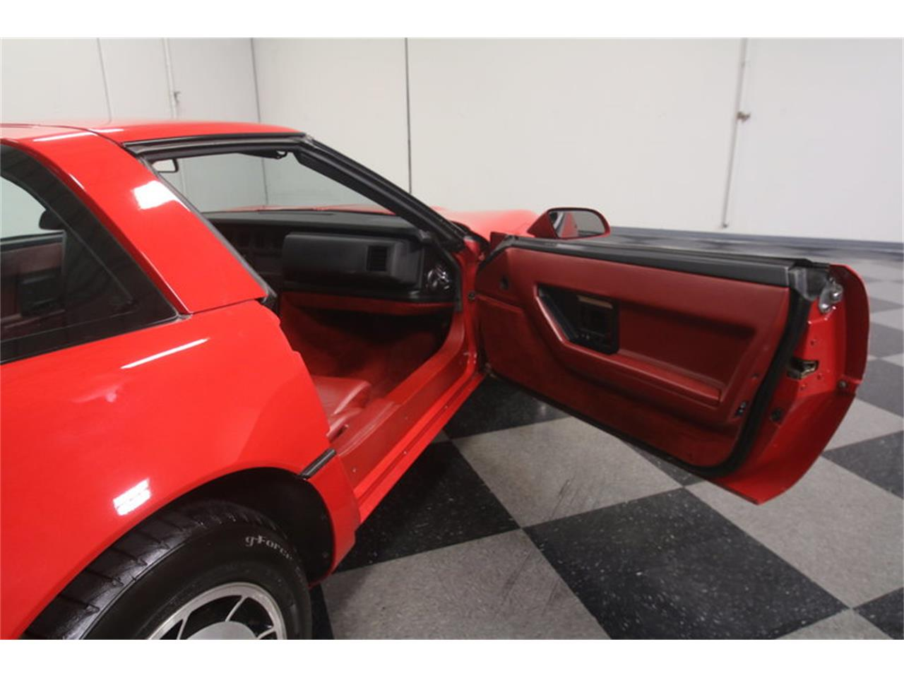 Large Picture of 1984 Chevrolet Corvette located in Lithia Springs Georgia - MZ8R