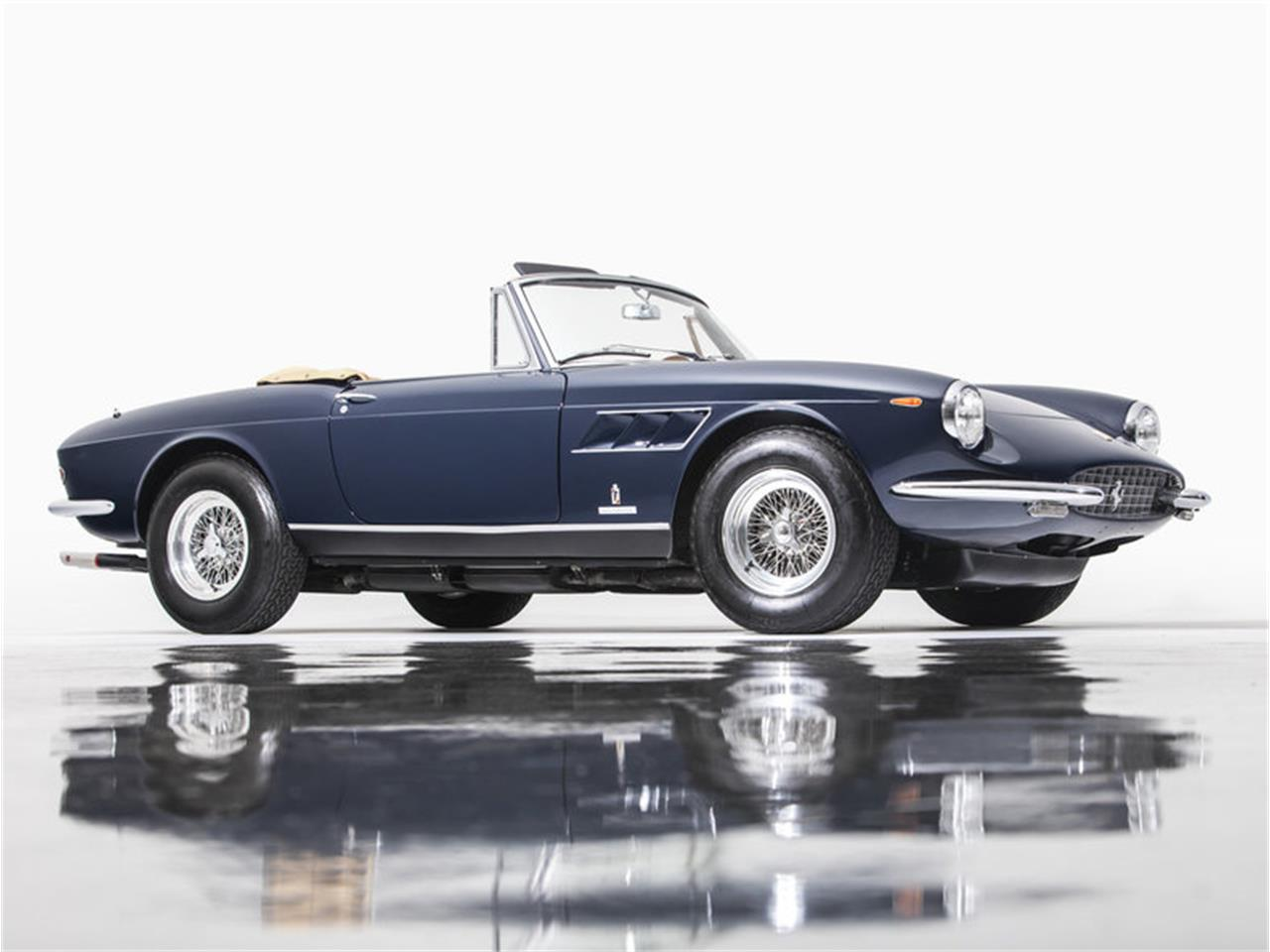 Large Picture of '68 330 GT located in Newport Beach California Auction Vehicle Offered by Morris and Welford - MZA4