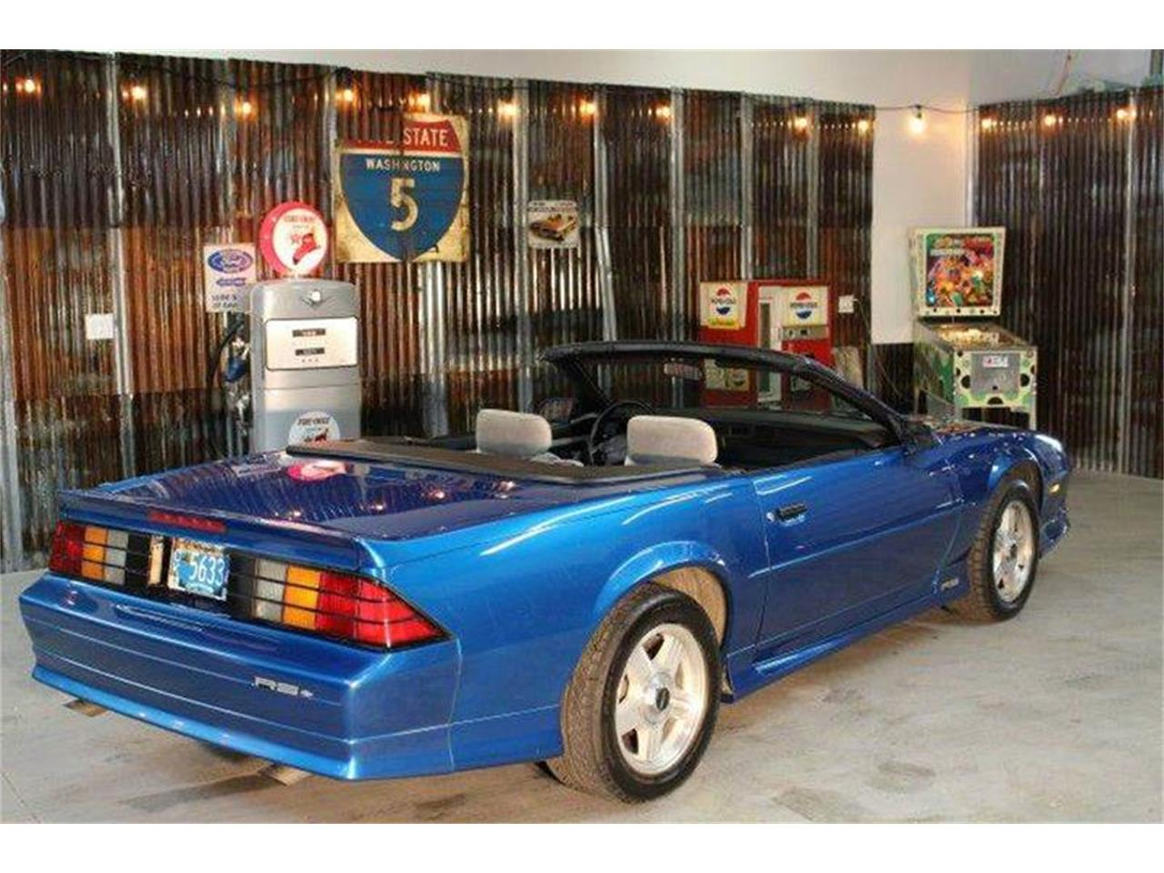 Large Picture of 1992 Chevrolet Camaro located in Redmond Oregon - $11,500.00 - MZBC