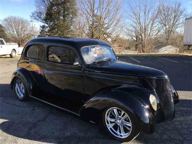 1937 Ford Humpback Coupe
