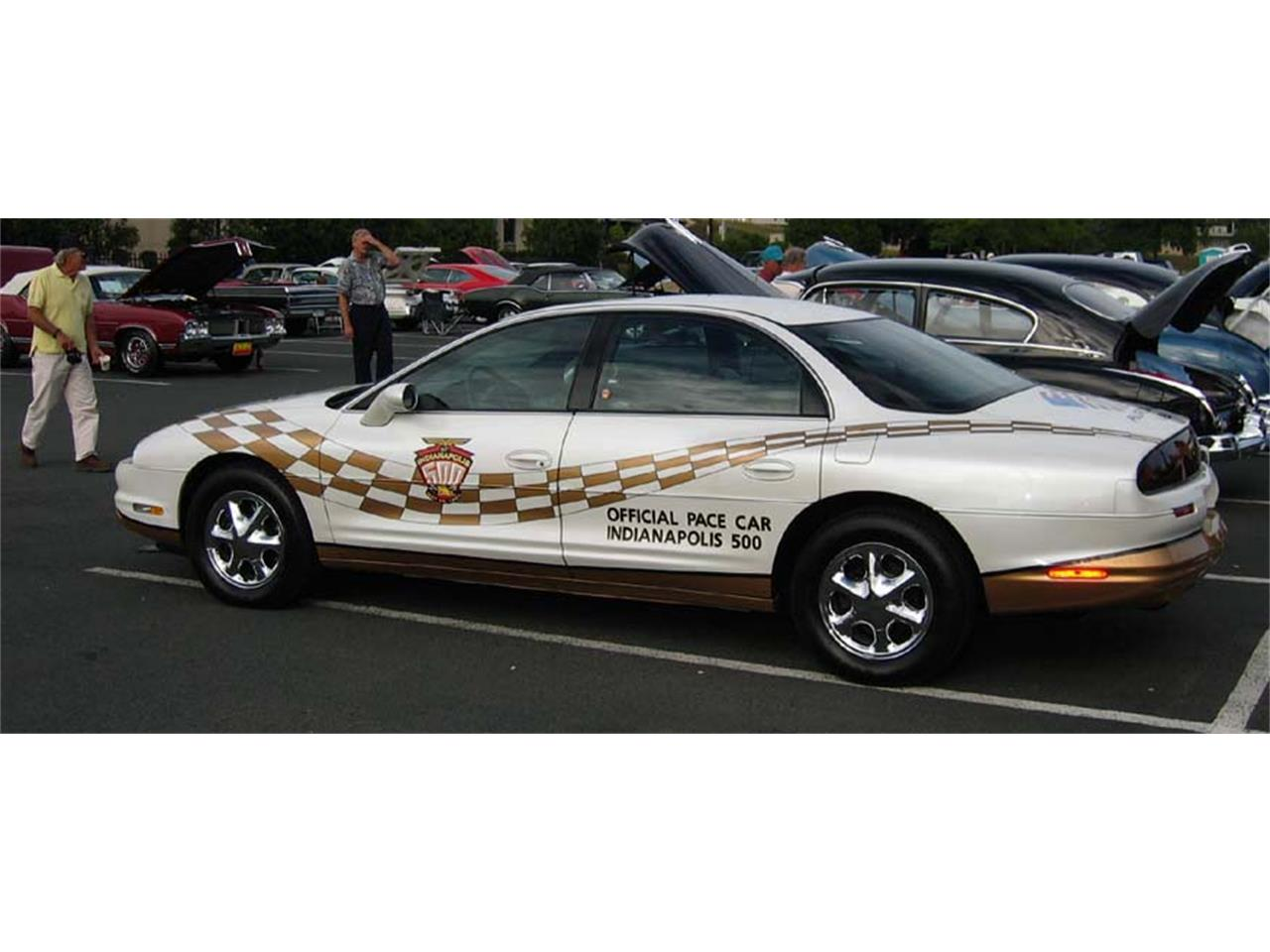 Large Picture of '97 Oldsmobile Aurora located in Edina Minnesota Offered by a Private Seller - MZCO