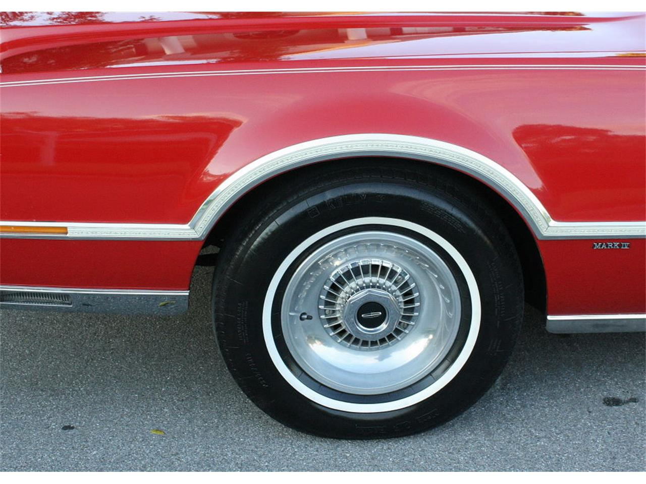Large Picture of '75 Continental Mark IV located in Florida - MZD3