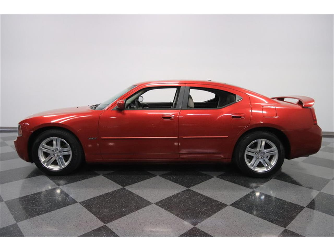 Large Picture of '06 Charger R/T located in Arizona Offered by Streetside Classics - Phoenix - MZDF