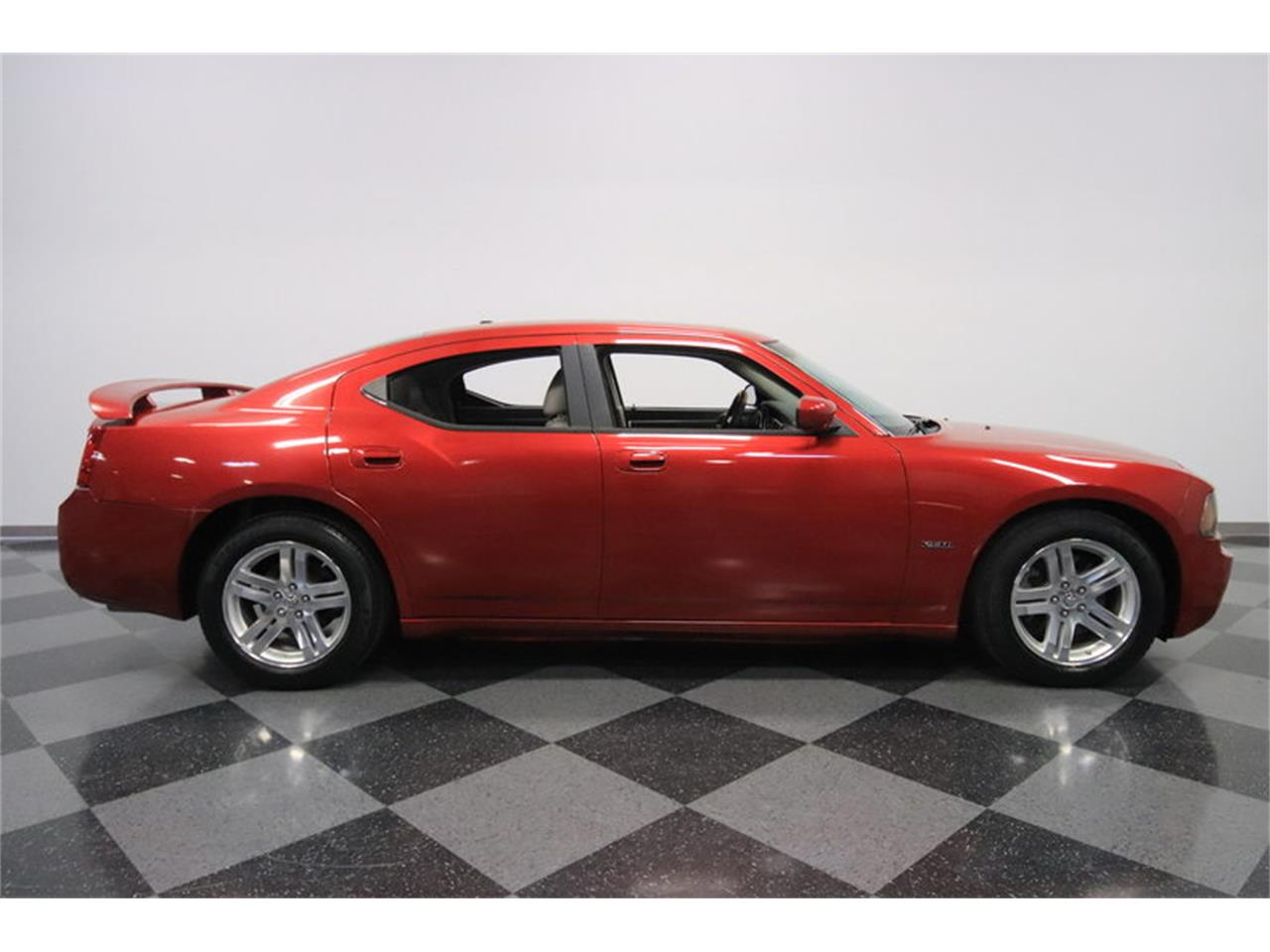 Large Picture of '06 Dodge Charger R/T Offered by Streetside Classics - Phoenix - MZDF