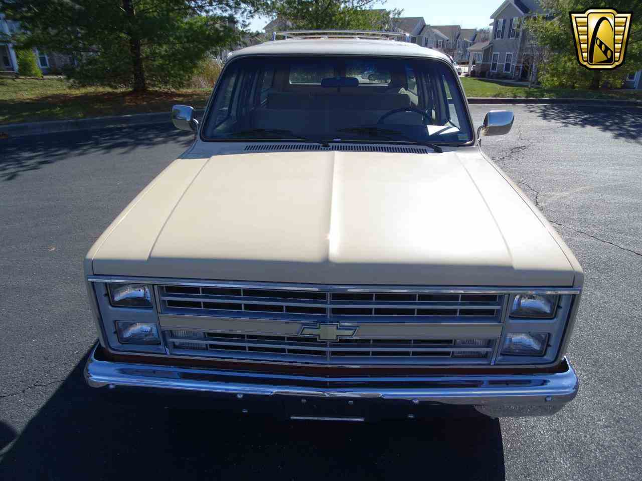 Large Picture of '86 Chevrolet C/K 20 - $10,995.00 - MZE8