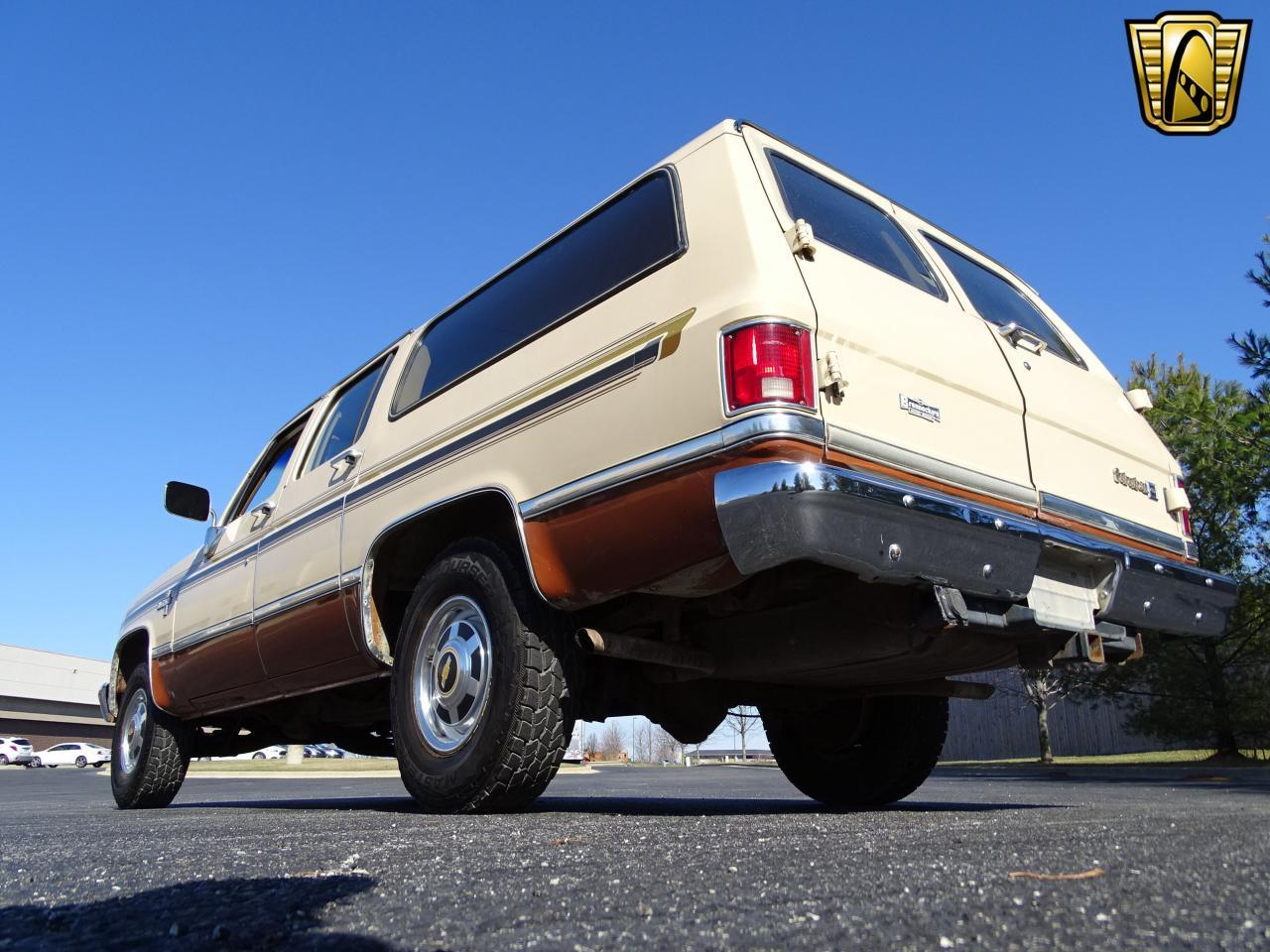 Large Picture of '86 Chevrolet C/K 20 located in Illinois - MZE8