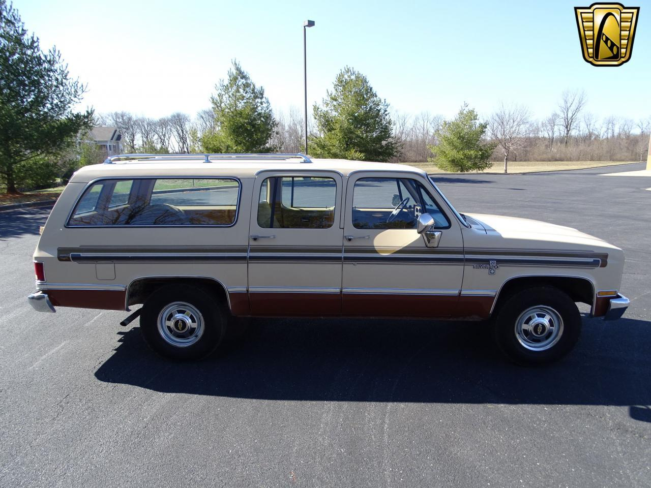 Large Picture of '86 Chevrolet C/K 20 located in O'Fallon Illinois - MZE8