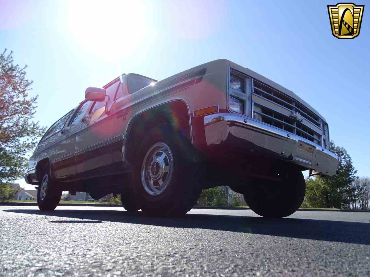 Large Picture of '86 Chevrolet C/K 20 located in O'Fallon Illinois - $10,995.00 - MZE8