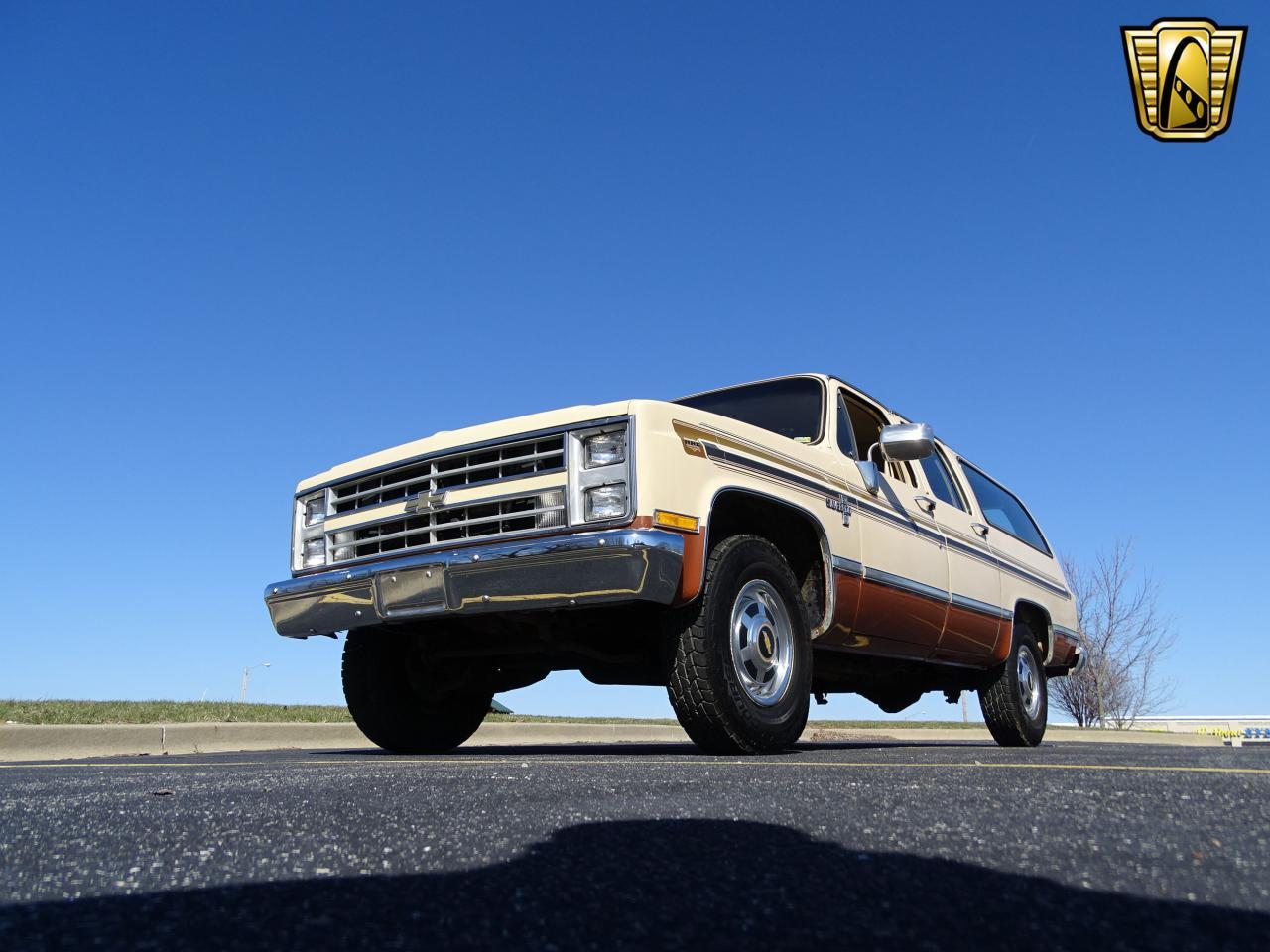 Large Picture of '86 C/K 20 located in Illinois Offered by Gateway Classic Cars - St. Louis - MZE8