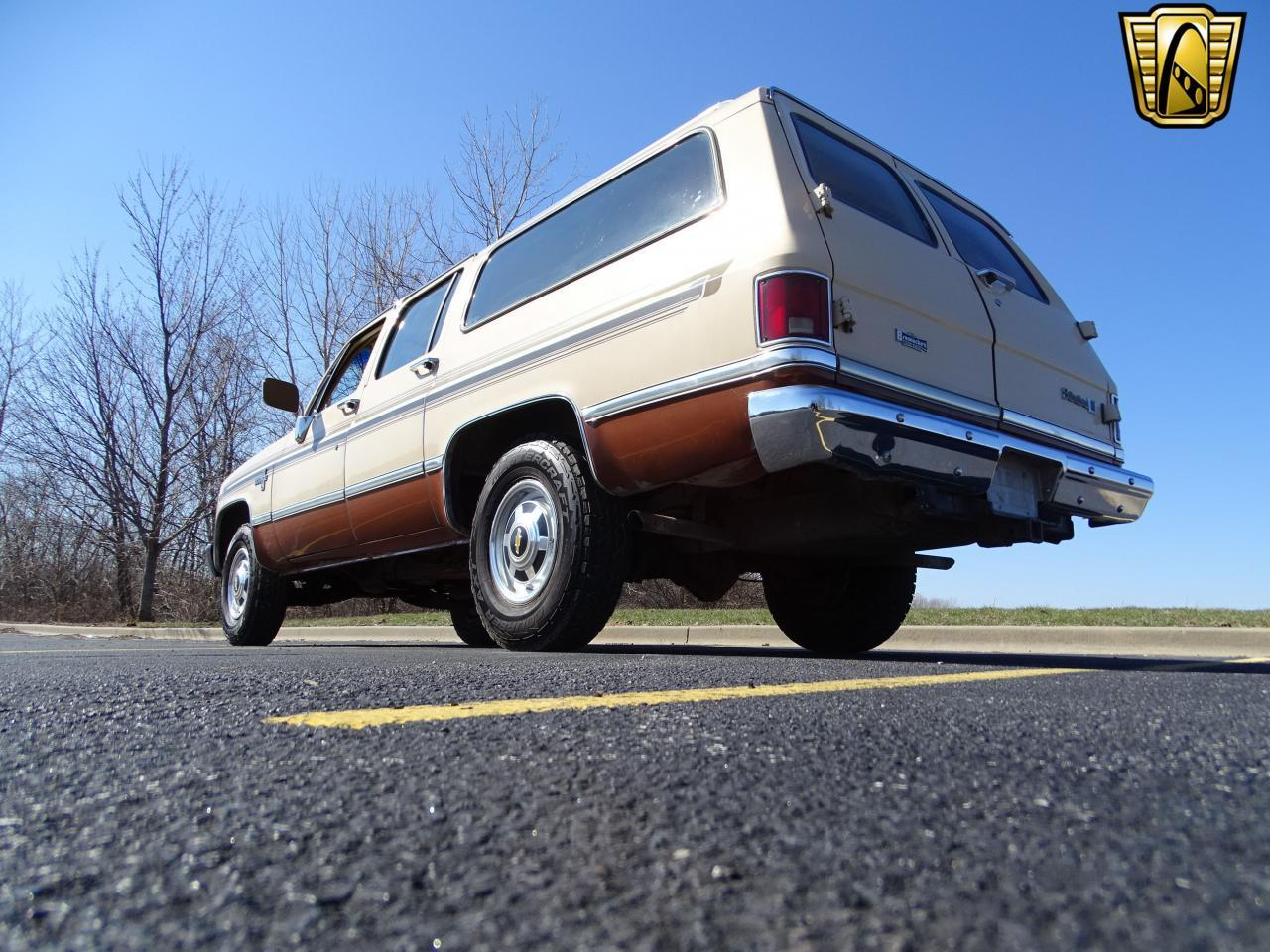 Large Picture of '86 Chevrolet C/K 20 - $10,595.00 - MZE8