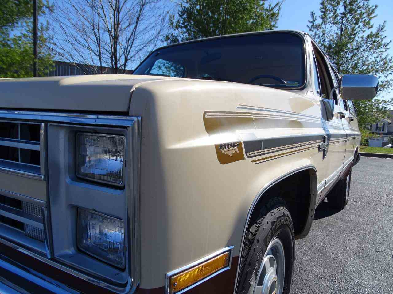 Large Picture of 1986 C/K 20 located in Illinois - $10,995.00 Offered by Gateway Classic Cars - St. Louis - MZE8