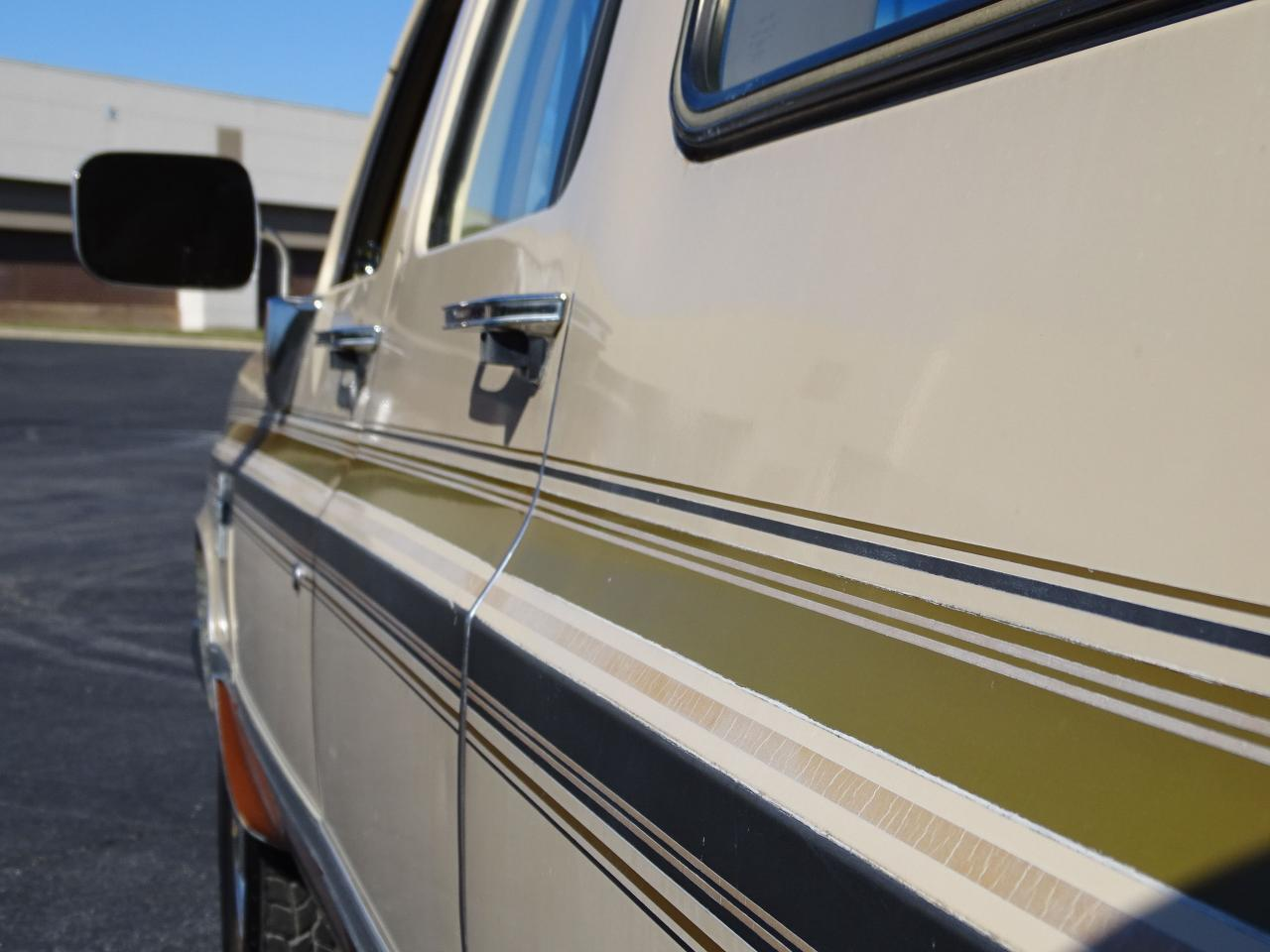 Large Picture of 1986 C/K 20 - $10,595.00 Offered by Gateway Classic Cars - St. Louis - MZE8