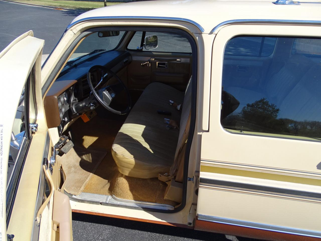 Large Picture of 1986 Chevrolet C/K 20 - $10,595.00 Offered by Gateway Classic Cars - St. Louis - MZE8
