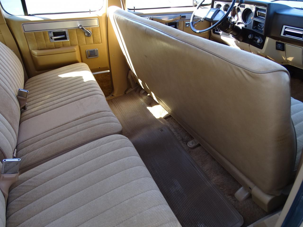 Large Picture of '86 C/K 20 located in Illinois - $10,595.00 Offered by Gateway Classic Cars - St. Louis - MZE8