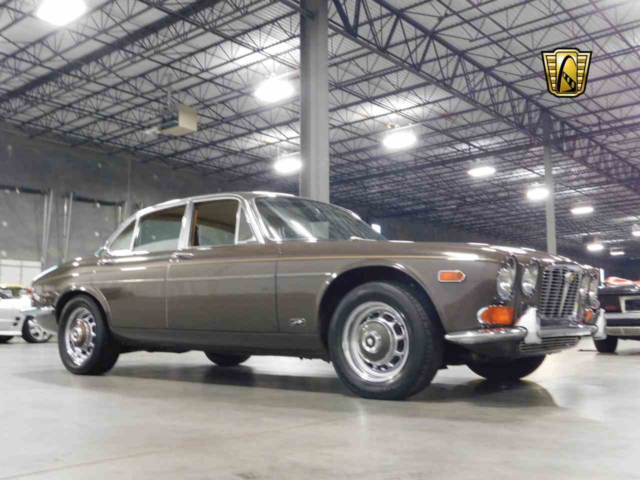 Large Picture of '72 XJ6 - MZEB