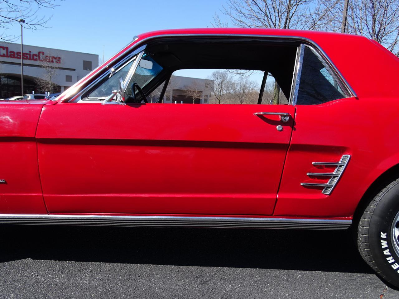 Large Picture of Classic '66 Ford Mustang located in Illinois - MZEK